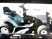 CRAFTSMAN Lawn Tractor LT 2000